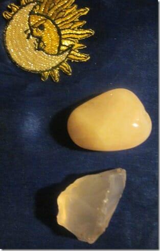 rose-quartz-gemstone-metaphyscial-properties